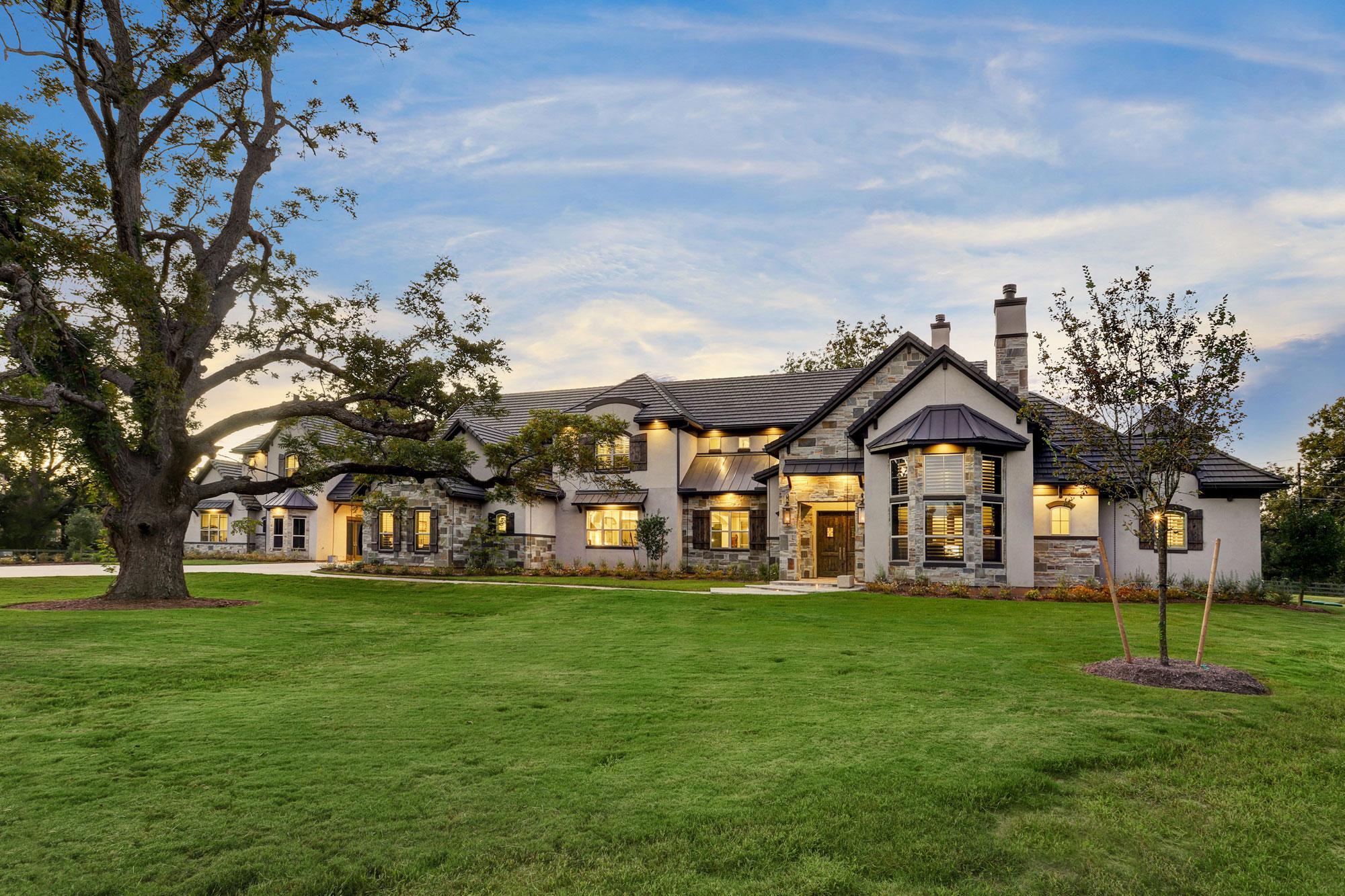 Mike Harrison Custom Homes - Tealpointe Lake Estates